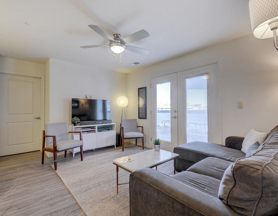 Living Area at Listing #252115