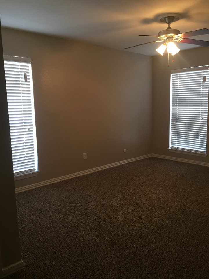 Bedroom at Listing #278067