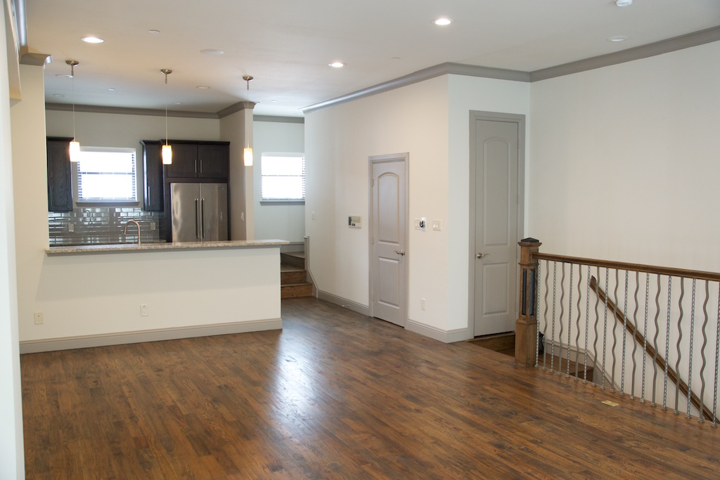 Living at Listing #281932