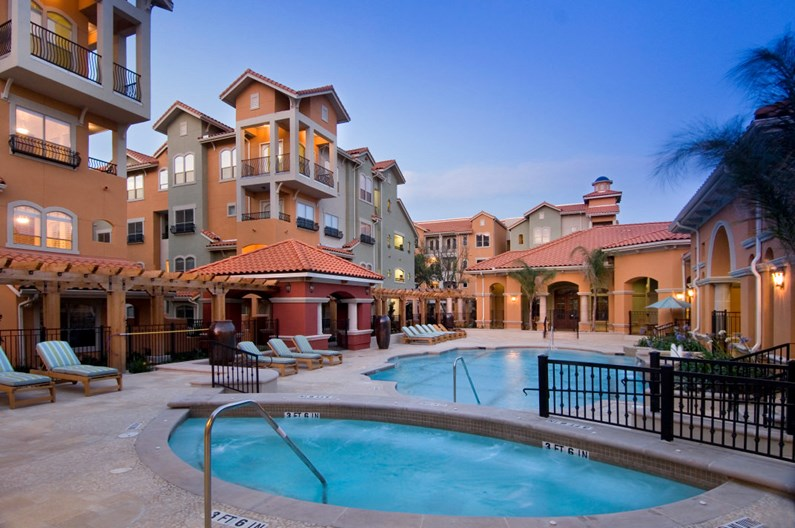 Portico at West 8 I & II Apartments