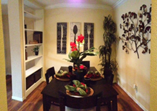 Dining at Listing #139885
