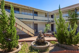 Courtyard at Listing #139125