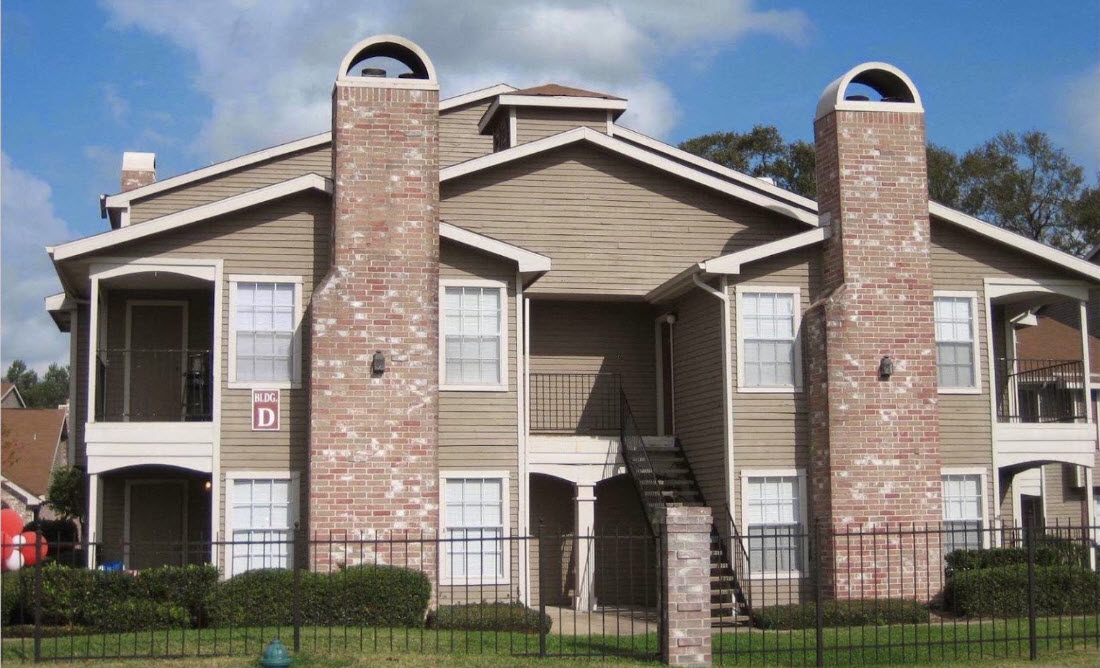 Exterior at Listing #138604