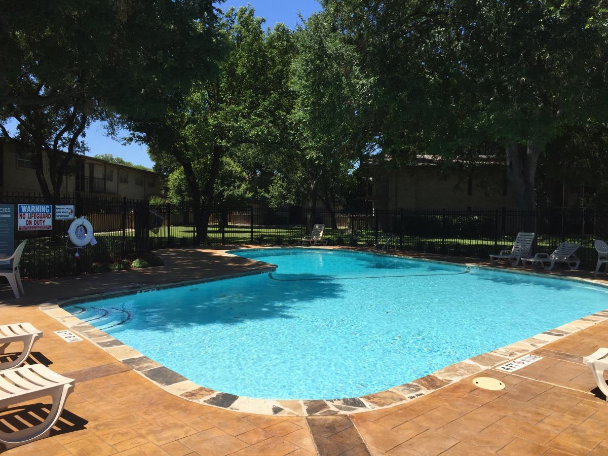 Pool at Listing #140934