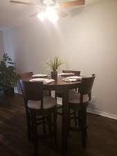 Dining at Listing #137233