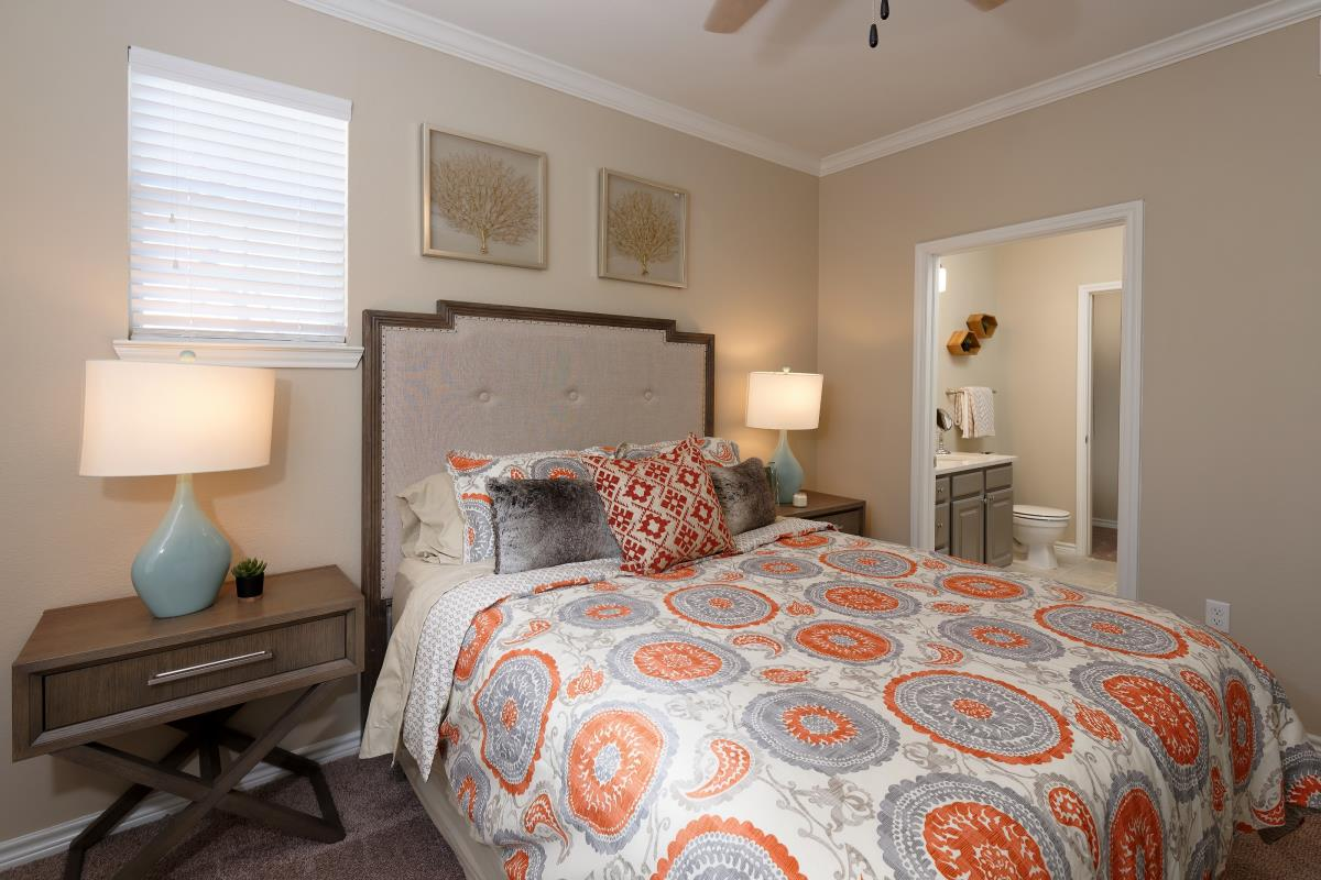 Bedroom at Listing #138104