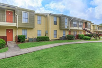 Exterior at Listing #138331