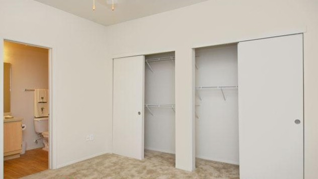 Bedroom at Listing #140771