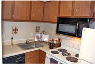 Kitchen at Listing #138344
