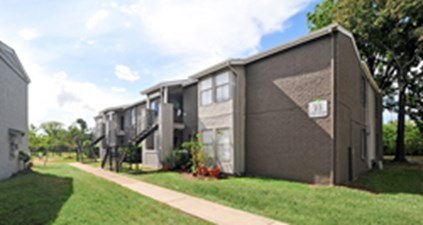 Exterior at Listing #139444