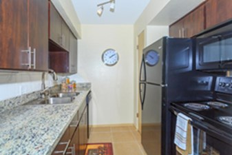 Kitchen at Listing #139439