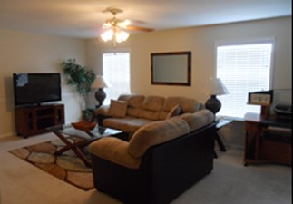 Living Room at Listing #140029