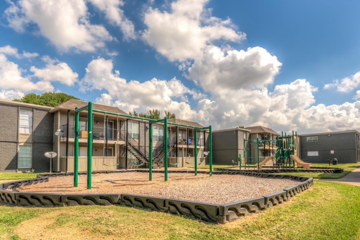 Playground at Listing #139568