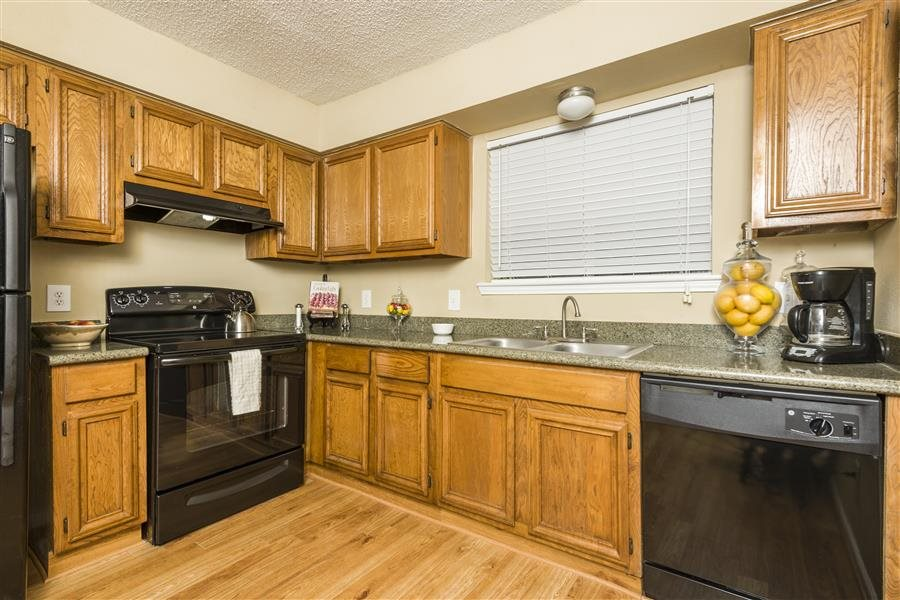 Kitchen at Listing #138734