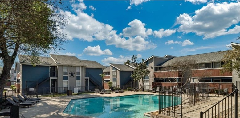 Alamo Oaks Apartments
