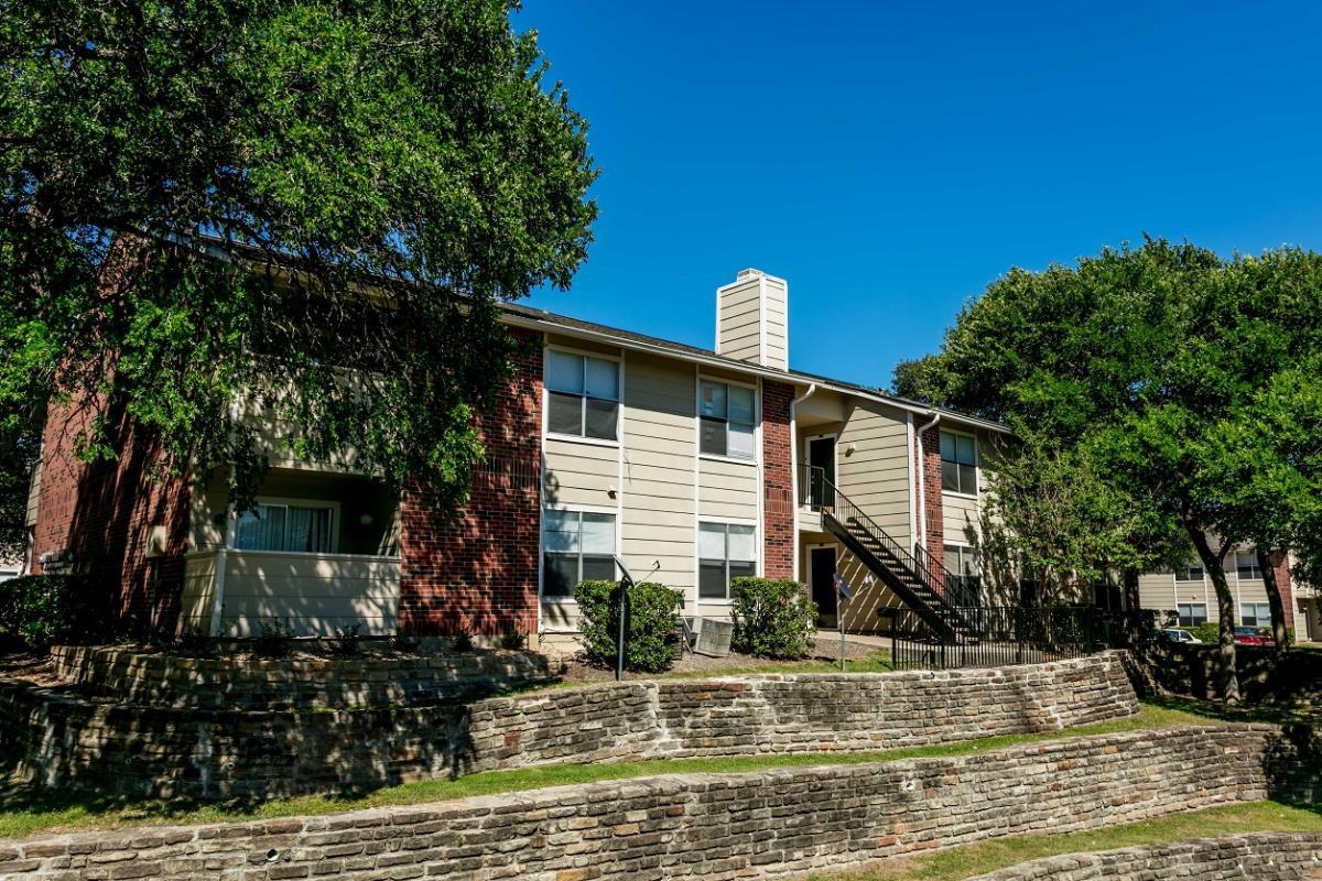Saddletree Apartments Garland, TX