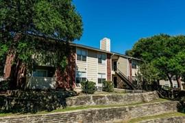 Saddletree Apartments Garland TX