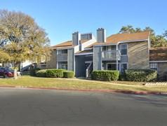 Stoneleigh Apartments San Antonio TX