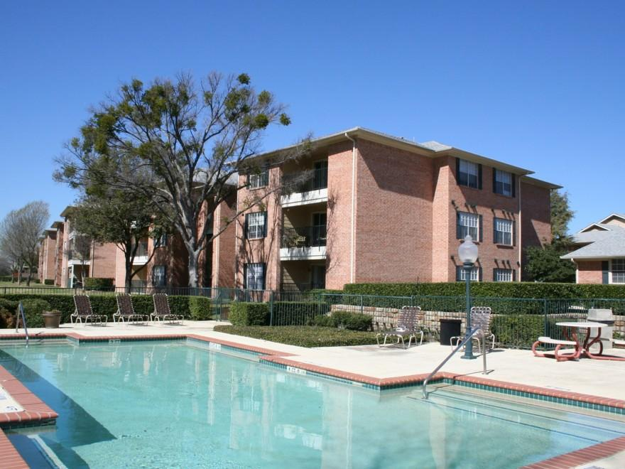 Pool at Listing #137538