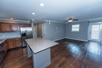 Living/Kitchen at Listing #141033