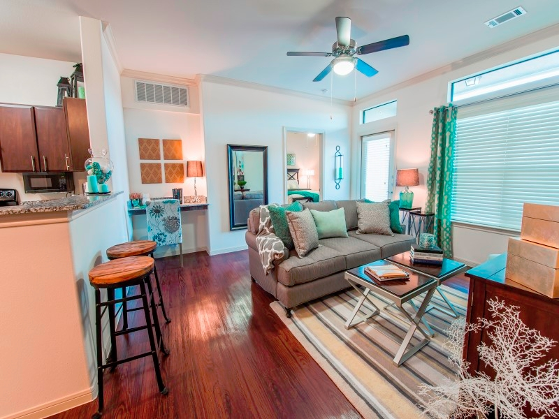 Living at Listing #244593
