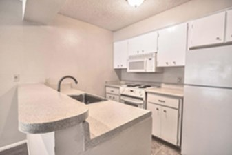 Kitchen at Listing #140925