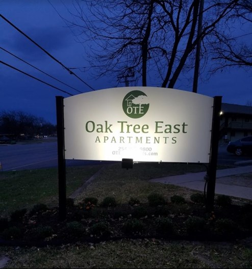 Oak Tree East Apartments