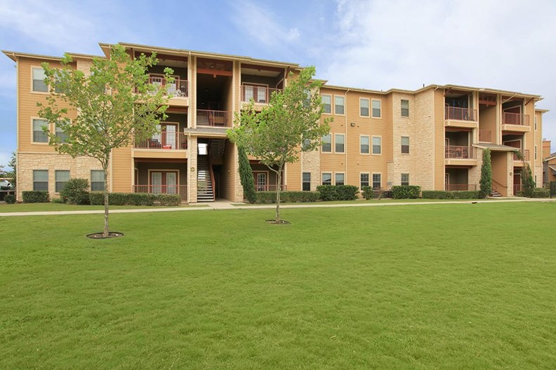 Vista at Plum Creek Apartments