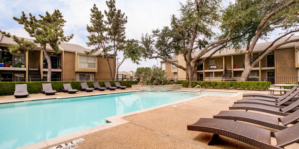 Parks at Addison at Listing #135819
