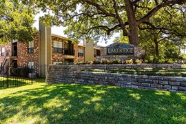 Lakeridge Apartments Irving TX