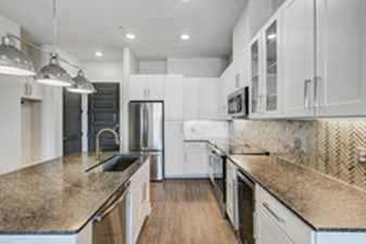 Kitchen at Listing #282782