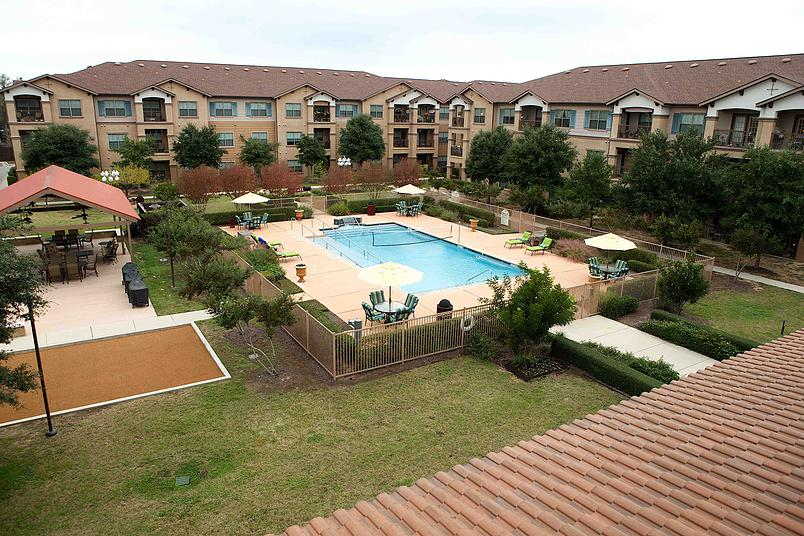 Mariposa at Elk Drive Apartments Burleson, TX