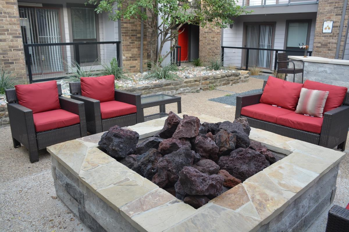 Fire Pit at Listing #135833