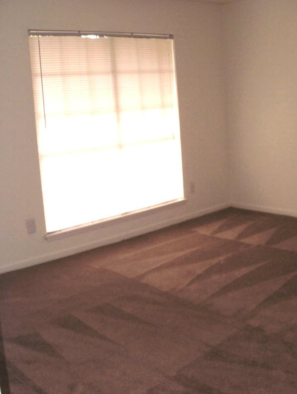 Bedroom at Listing #140044