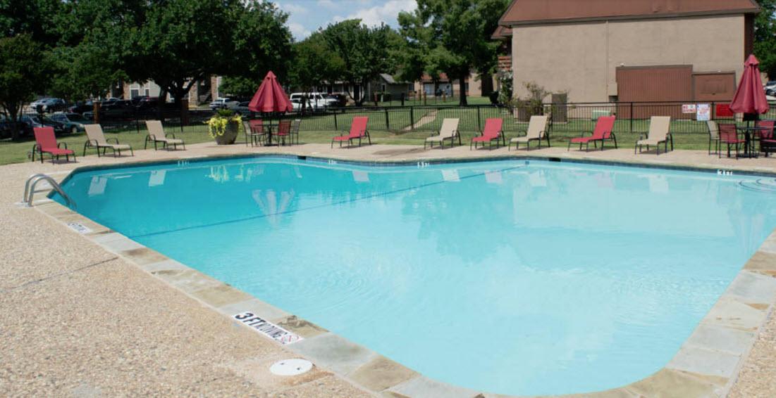 Pool at Listing #137304