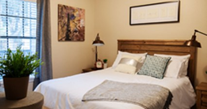 Bedroom at Listing #135928