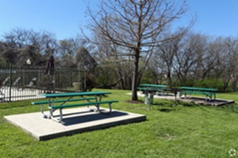 Picnic Area at Listing #140753