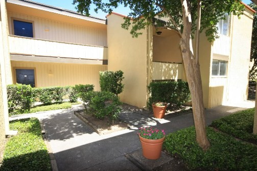 Courtyard at Listing #141315