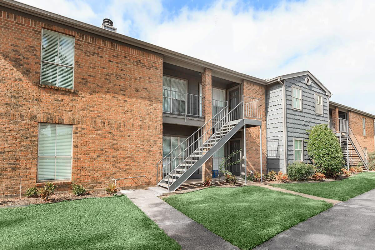 Exterior at Listing #139488