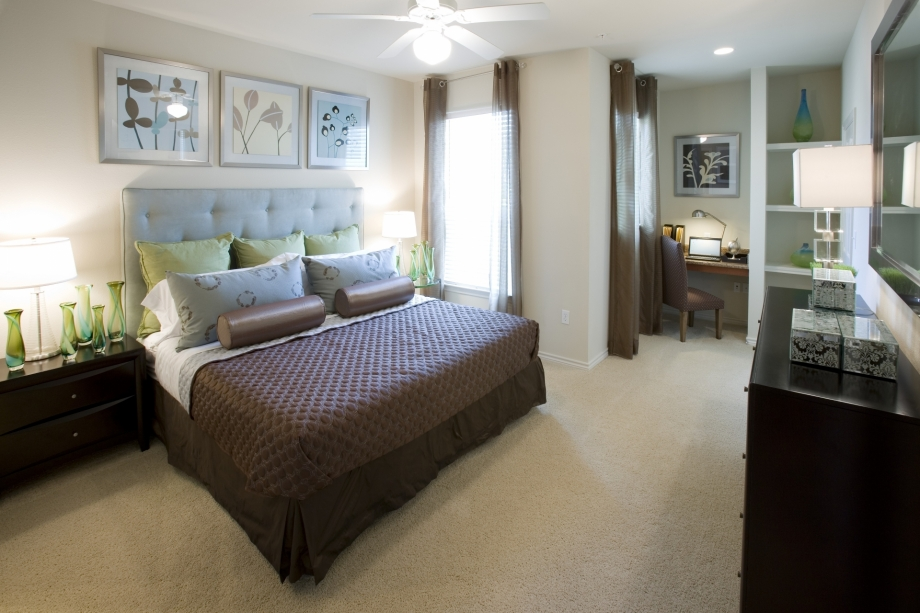 Bedroom at Listing #145150