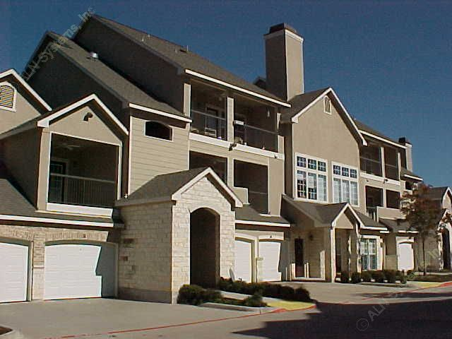 Exterior at Listing #137903