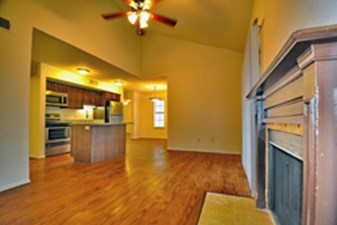 Living at Listing #135839