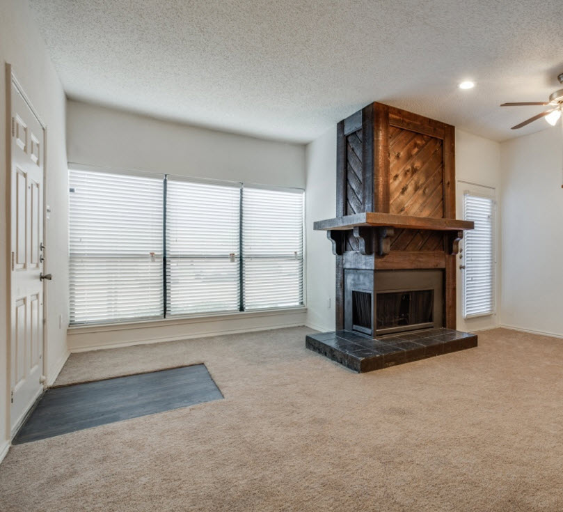 Living at Listing #136717