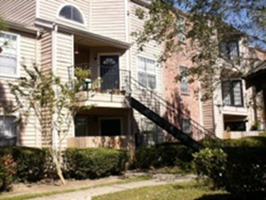 Exterior at Listing #138617