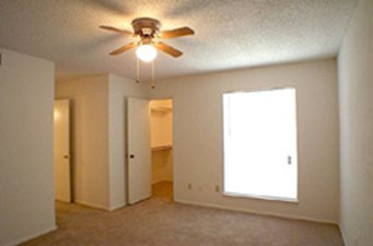 Bedroom at Listing #137127