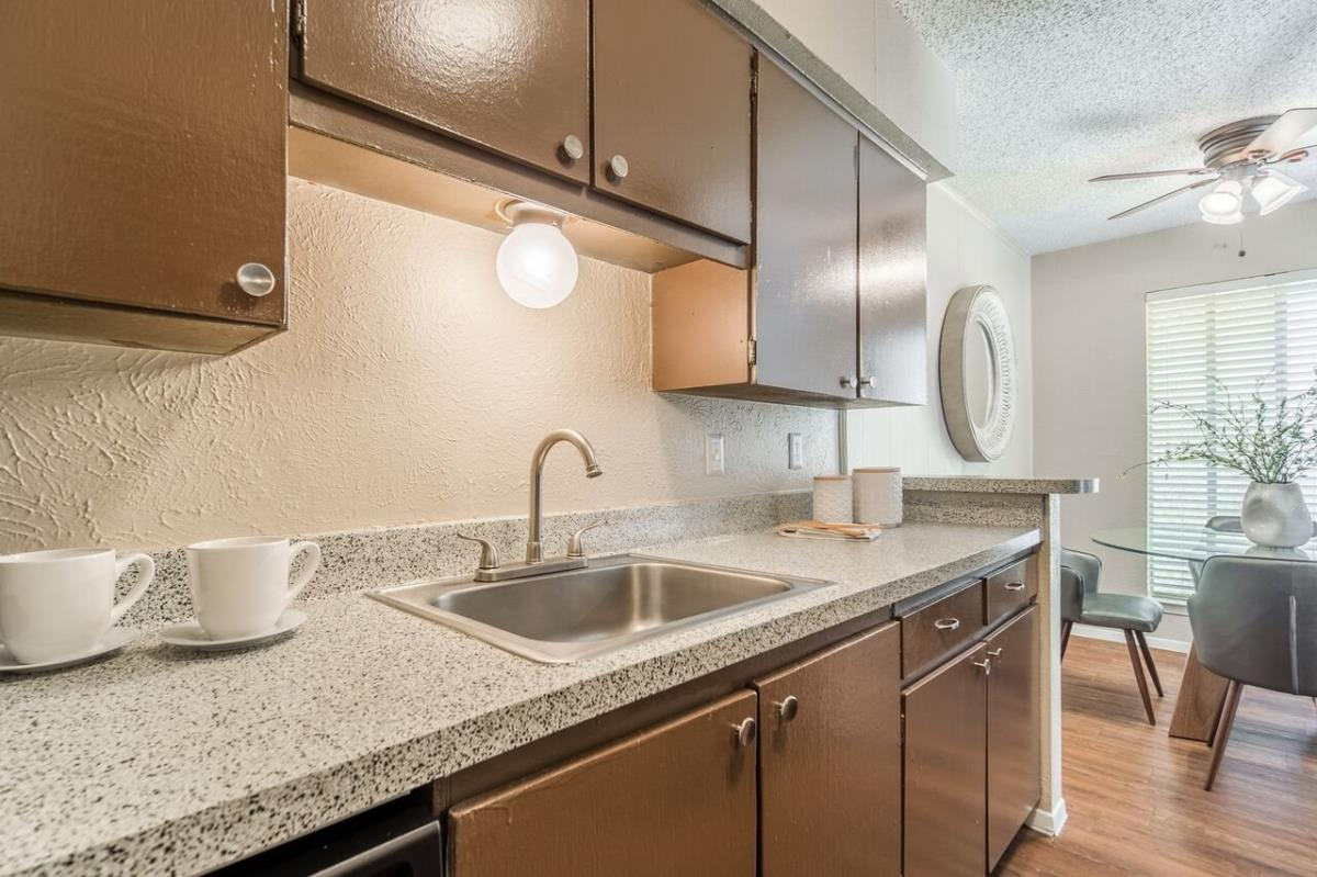 Kitchen at Listing #137241