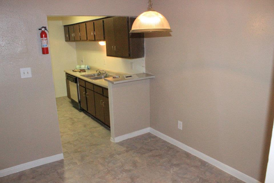 Dining/Kitchen at Listing #139887