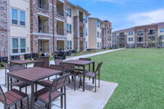 Courtyard at Listing #292680