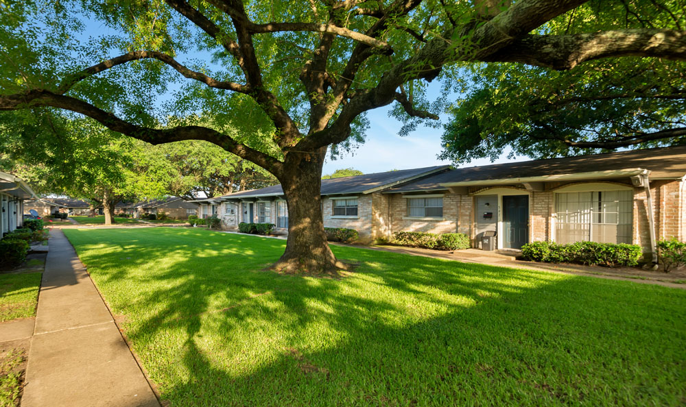 Villages at Parktown I & II Apartments Deer Park, TX