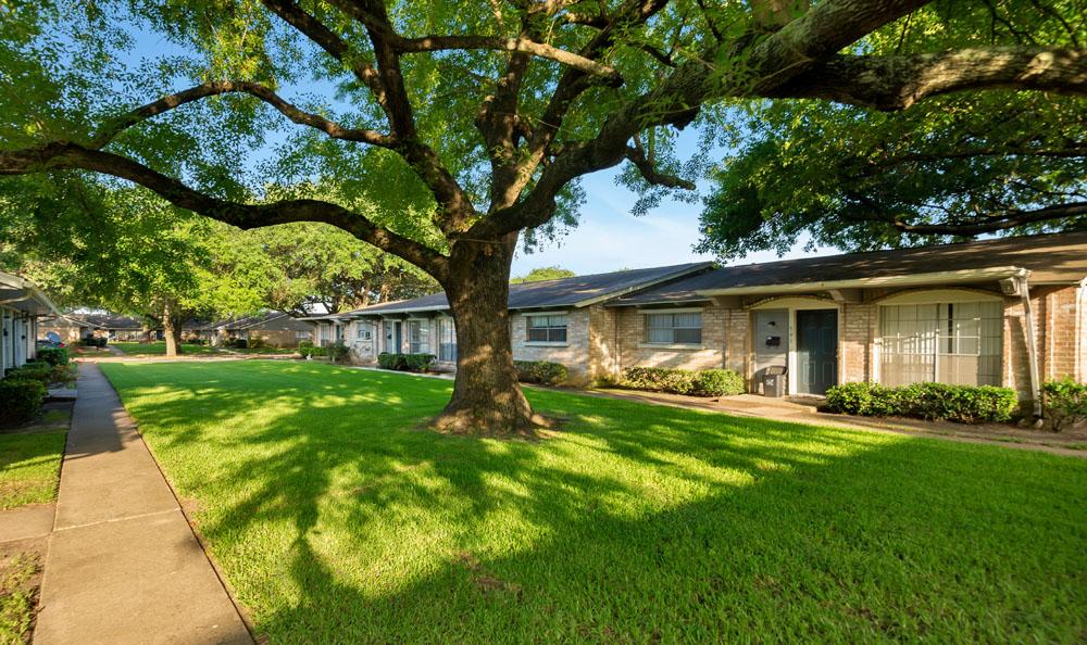 Villages at Parktown I & II Apartments Deer Park, TX